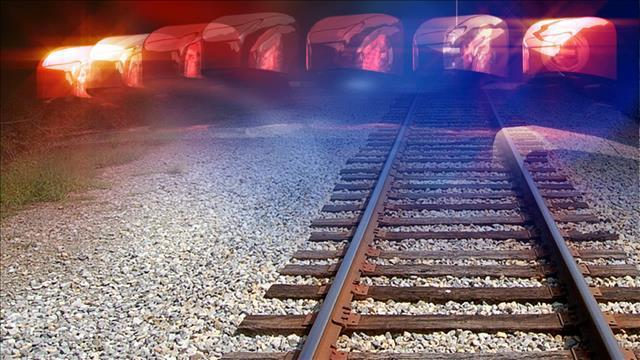 Pedestrian hit by train in Baton Rouge on Monday night