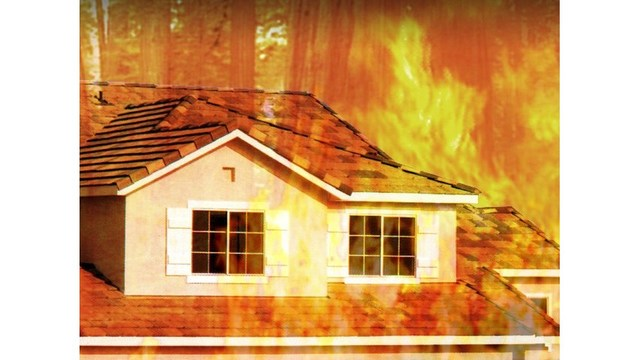 Baton Rouge duplex blaze causes fire, smoke and water damage on Thursday evening